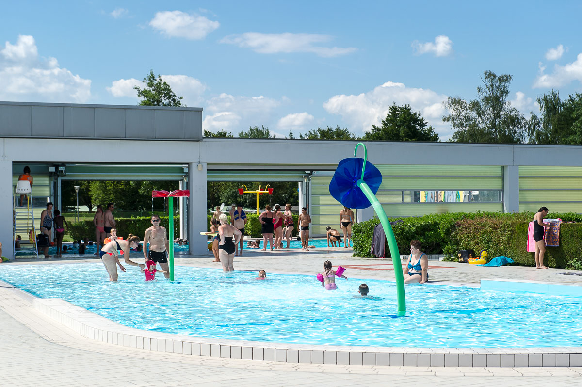 What can be a childrens pool for summer cottages